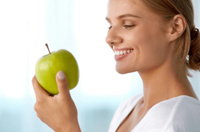 grickanje jabuke